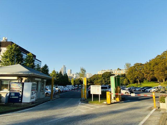 代々木公園駐車場の入口の様子